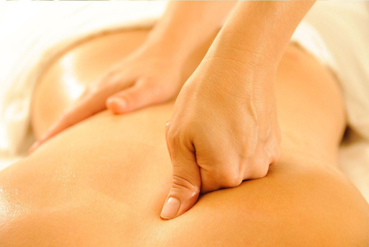 Thường xuyên massage bấm huyệt: Nên hay không?