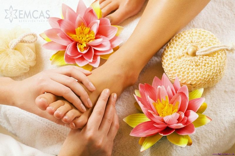 8 unbelievable effects of foot reflexology massage