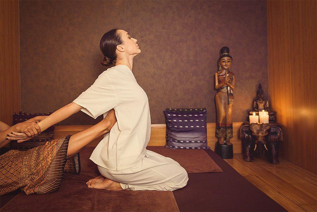 Yoga, thuốc Ayurvedic trong massage Thái mang tới hiệu quả gì lâu dài?