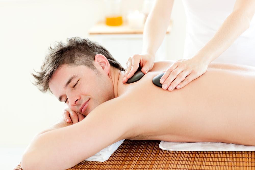 Vai trò massage toàn thân phục hồi sức khỏe