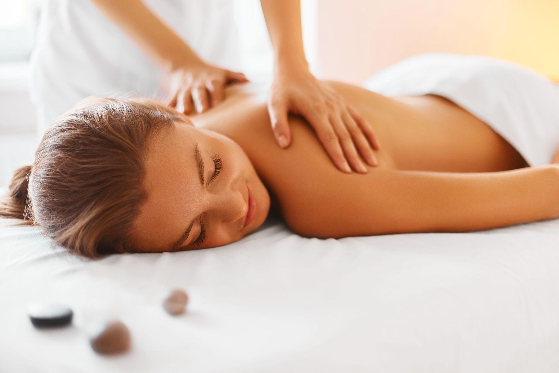 Lợi ích việc chà sát trong lưu thông máu của dịch vụ massage